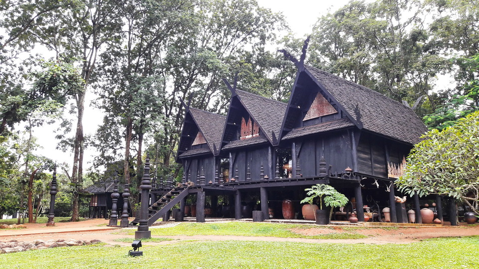 Black House Museum or Baan Dam : Attractions in Chiang Rai