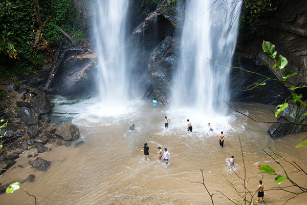 waterfalls in chiang mai, chiang mai waterfalls, famous waterfalls in chiang mai, beautiful waterfalls in chiang mai, mok fah waterfall, mok fa waterfall