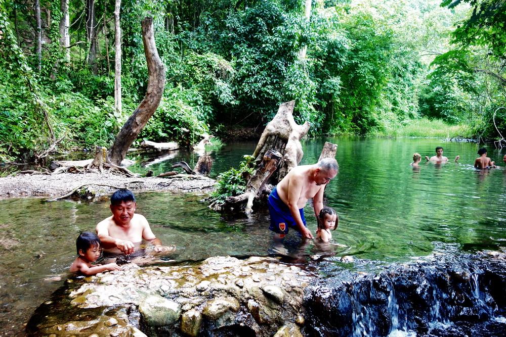 sai ngam natural hotspring, sai ngam hot spring, sai ngam hot springs, hot springs in pai