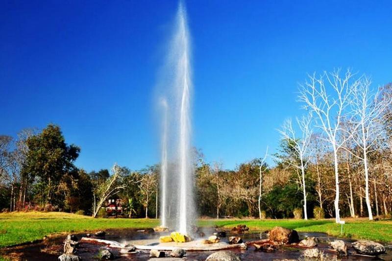 san kamphaeng hot springs, san kamphaeng hot spring, san kampang hot spring, san kampang hot springs