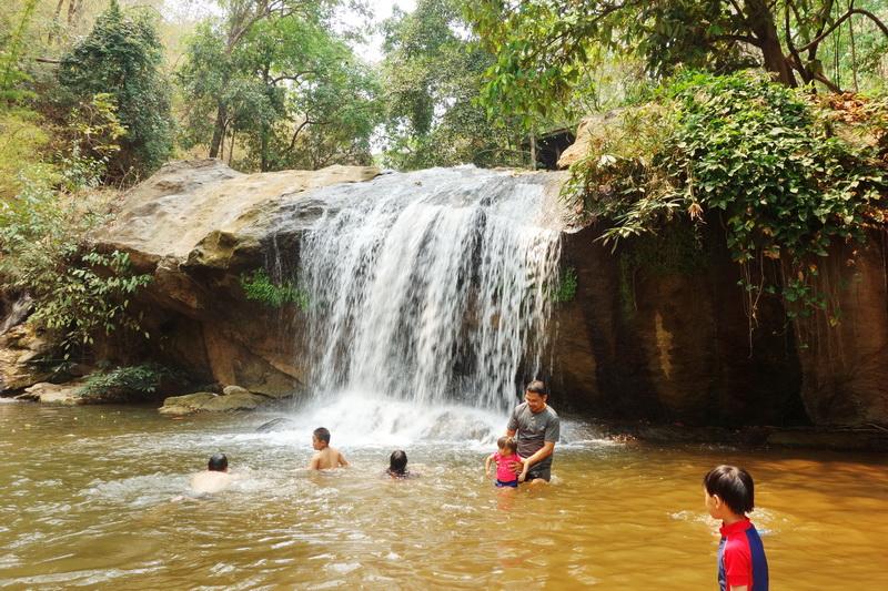 mae sa waterfall, mae sa waterfalls, maesa waterfall, maesa waterfalls