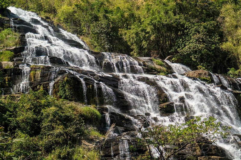 waterfalls in chiang mai, chiang mai waterfalls, famous waterfalls in chiang mai, beautiful waterfalls in chiang mai, mae ya waterfall