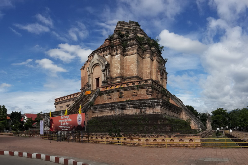 sights in chiang Mai, things to do in chiang mai, must do in chiang mai, wat chedi luang, chedi luang temple, attrractions in chiang mai, temple in chiang mai