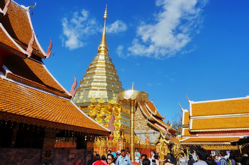 sights in chiang Mai, things to do in chiang mai, must do in chiang mai, wat doi suthep, wat phta that doi suthep, doi su thep temple