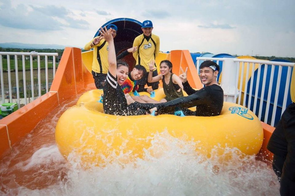 chiang mai activities, thing to do in chiang mai, chiang mai water park, tube trek water park