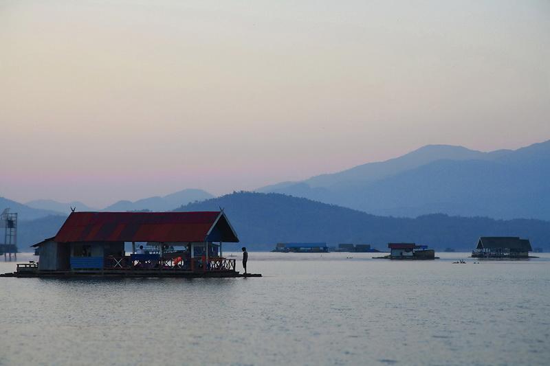 attractions in chiang mai, chiang mai attractions, doi tao lake, doi tao, doi tao reservoir