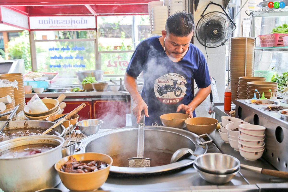 Nimman Walking Street, street food in chiang mai, the best street food in chiang mai
