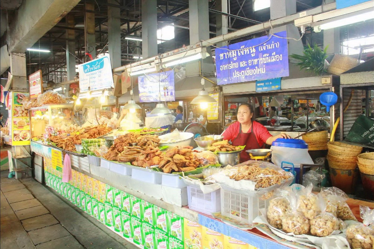 Talat Pratu Chiang Mai, street food in chiang mai, the best street food in chiang mai