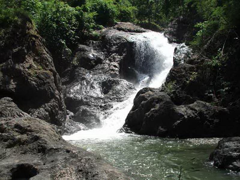 pha suea waterfall, phasuea waterfall, namtok pha suea