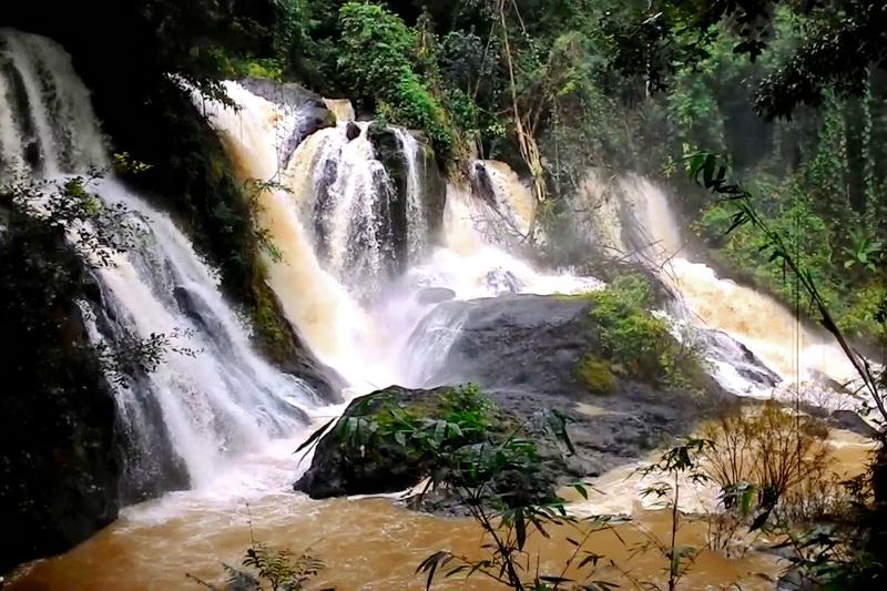 Pha Suea Waterfall
