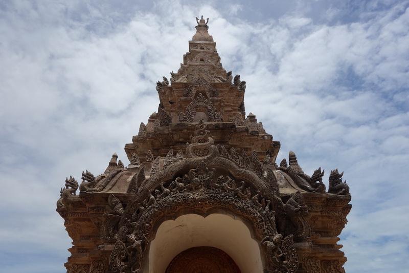 wat phra that lampang luang, wat phrathat lampang luang, wat lampang luang, phra that lampang luang temple, phrathat lampang luang temple, lampang luang temple, important temples in lampang, attraction temples in lampang
