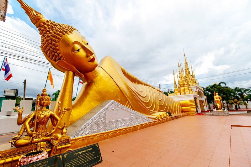 attractions in the north of thailand, attractions in phrae, phrae attractions, wat pong sunan, pong sunan temple, wat pong sunan in phare, pong sunan temple in phare
