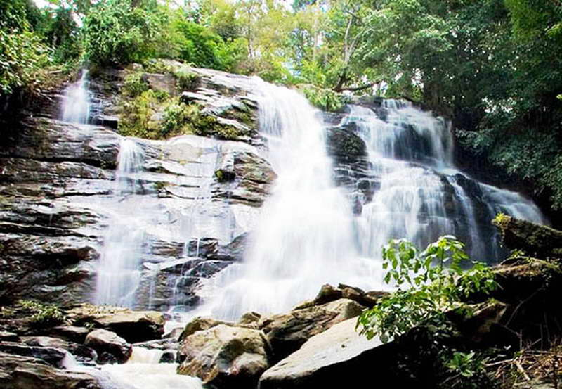attractions in the north of thailand, attractions in phrae, phrae attractions, tat mok waterfall, tat mok waterfall in phrae, tad mok waterfall, tad mok waterfall in phrae